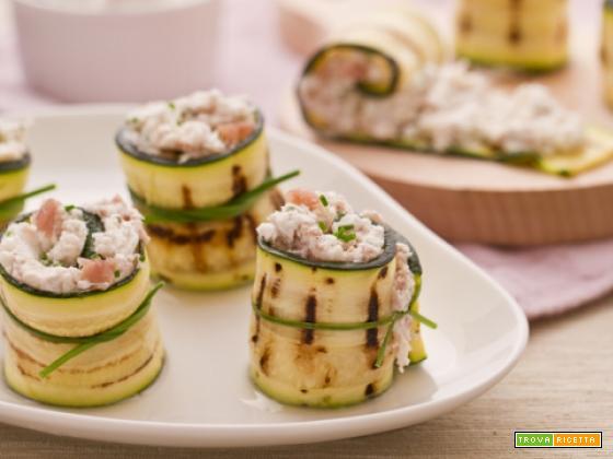 Rotolini di zucchine con crudo e robiola