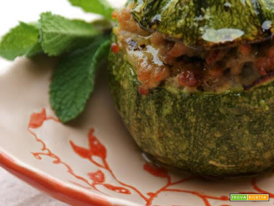 Zucchini tondi ripieni profumati alla menta e cumino