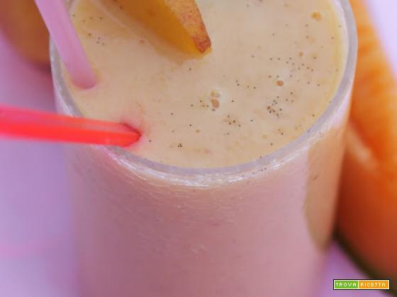 Smoothie melone pesche e vaniglia