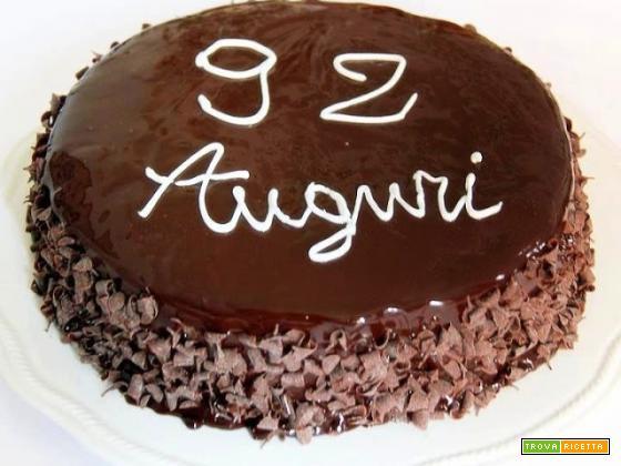 torta con bavarese alla nocciola, mousse di cioccolato e altri strati, i 92 se la meritano!