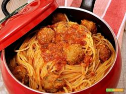 spaghetti con le polpette per save the children