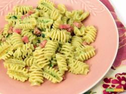 rivisitazione da gente del fud, radiatori con pesto ai broccoli e pancetta