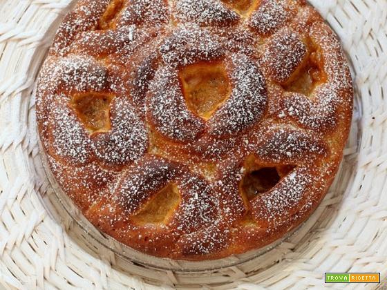 torta di rose alla confettura di pesche, amaretti e rum