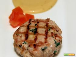 idea antipasto per la vigilia, hamburger di tonno con maionese alla soja