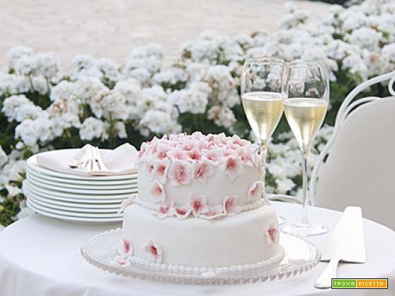 Una wedding cake fai-da-te al Grand Hotel di Rimini