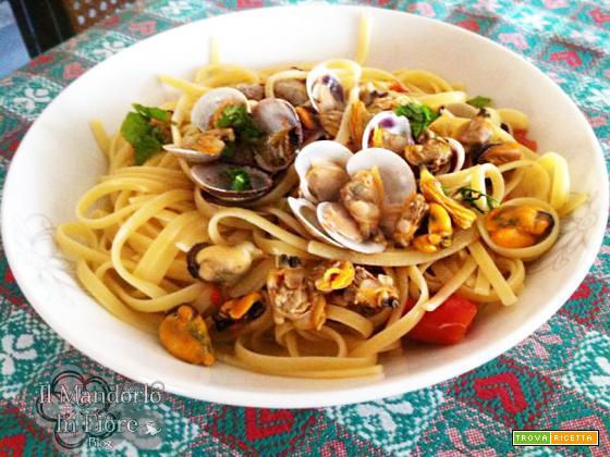 Spaghetti con cozze e vongole