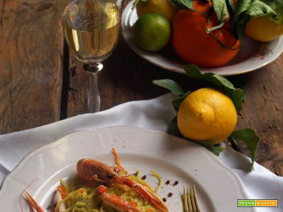 Tagliolini al pesto di agrumi con scampetti al Cointreau e pepe di Sichuan