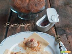Fazzoletti di pasta fresca con crema di cardi e acciughe e briciole tostate di paste di meliga