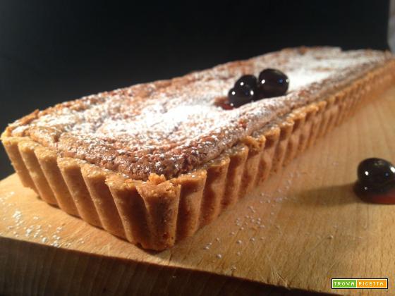 Crostata frangipane alle nocciole e amarene senza glutine