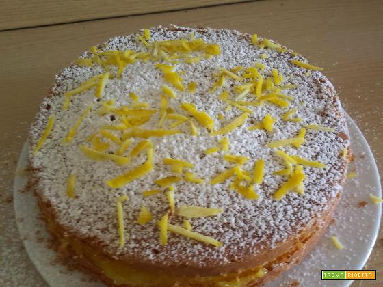 Fresca e rapida: la torta al limone