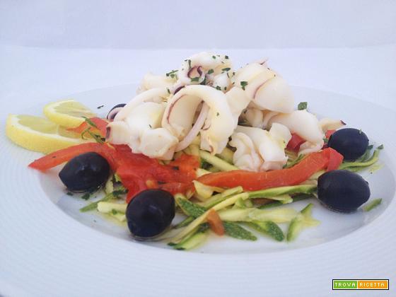 Insalata di seppie e zucchine julienne