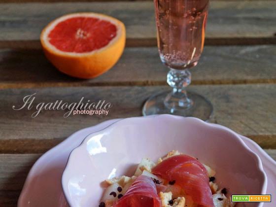 Insalata di melone bianco con tonno affumicato e pepe di Sichuan