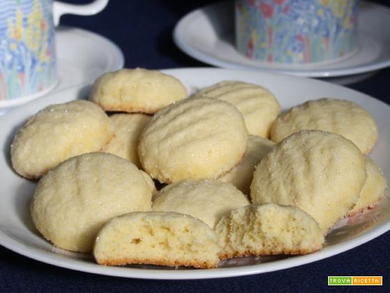 Brejeirices (Biscotti al cocco)