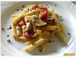 Pasta crema di broccoli e pomodorini