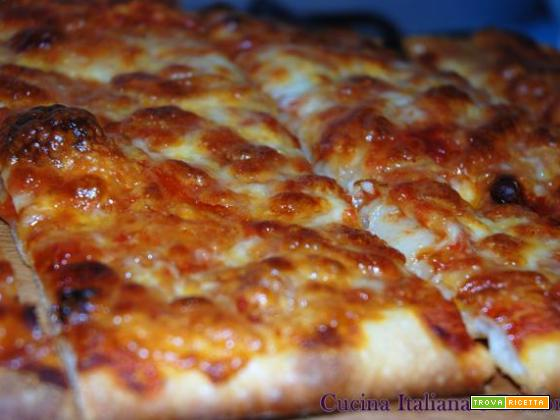 Pizza margherita con lievito madre