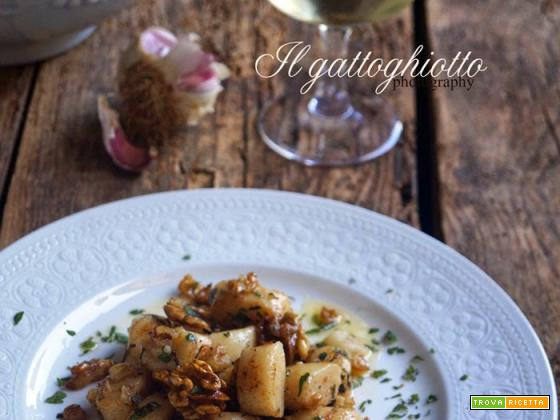 Gnocchi di patate dolci con noci, aglio rosso e melissa