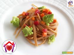 Spaghetti integrali con broccolo romano