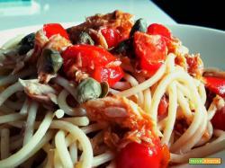 Spaghetti ultraveloci con sgombro e datterini