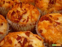 Muffin salati mozzarella e pancetta