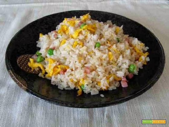 Ricetta tradizionale per preparare il vero riso alla cantonese