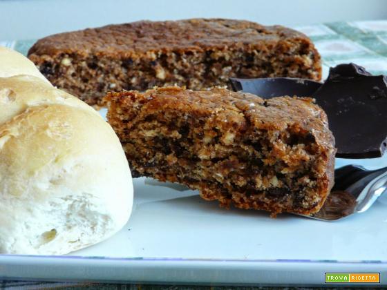 Torta rustica al cacao con pane raffermo