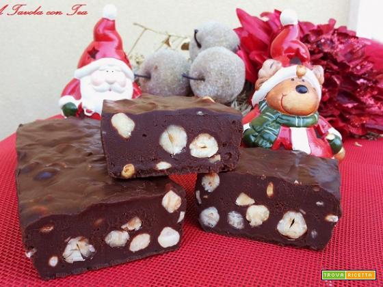 Tartufone al Cioccolato Fondente con Nocciole