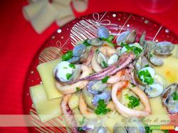 paccheri con calamari rossi e frutti di mare a soute'