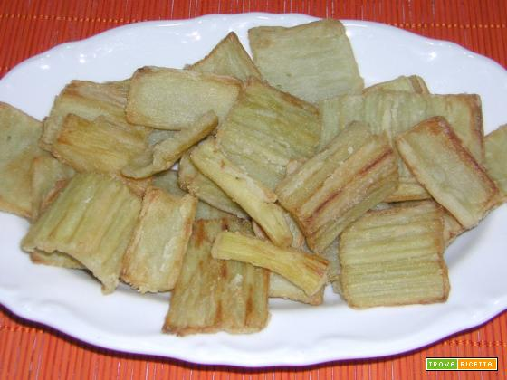 Cardo o gobbo fritto con farina