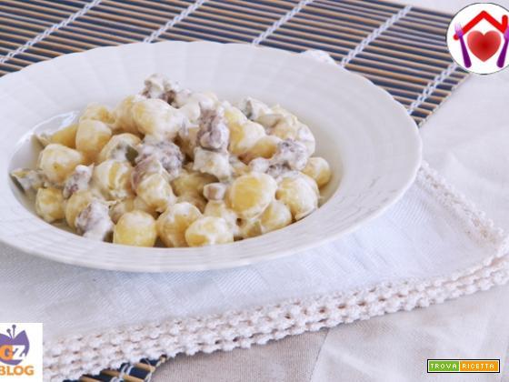 Gnocchi con salsiccia e carciofi