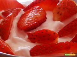 Come preparare la crema di fragole – ricetta
