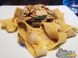 Pappardelle panna funghi e curry