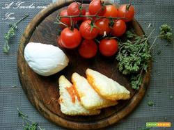 Panzerotto Mozzarella Pomodoro e Basilico