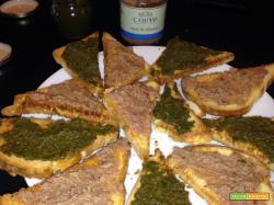 Senza Bimby, Triangoli con Patè di Tonno e Salsa al Tarassacco