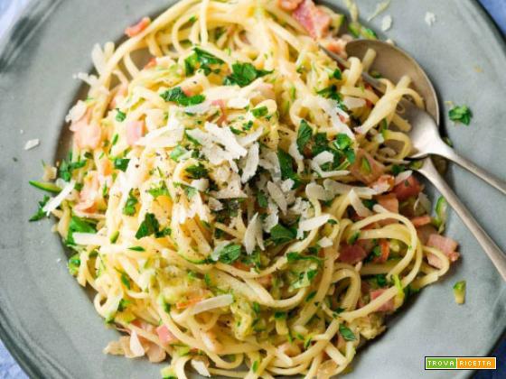 Pasta zucchine e bacon – Ricetta