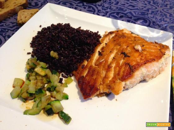 Senza Bimby, Salmone alla Piastra, Riso Venere e Zucchine