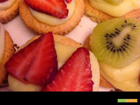 Con e Senza Bimby, Pasticcini di Crema di Fragole e Kiwi