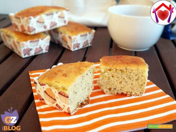 Plum-cake agli agrumi e semi di papavero