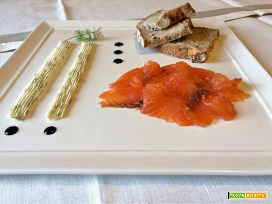 Salmone marinato alla Guinness