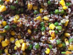 Senza Bimby, Quinoa Bianca, Quinoa Rossa e Miglio con Piselli, Mais e Gamberetti