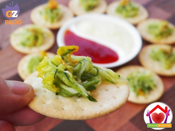 Zucchine e fiori di zucca marinati