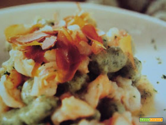 Gnocchetti verdi con gamberi e bottarga