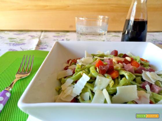 Tagliatelle alla rucola con bresaola, pomodorini e Parmigiano
