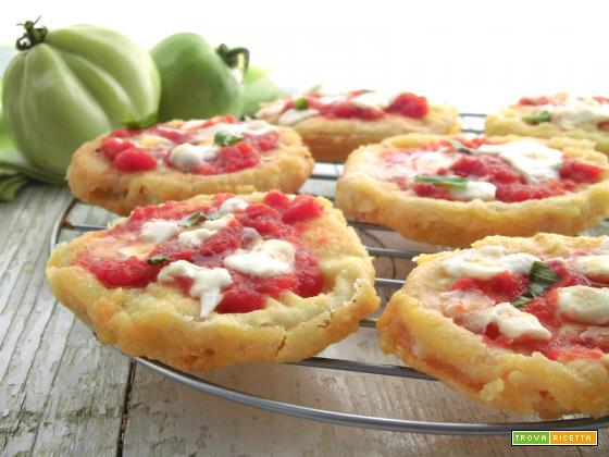 Pizzette di pomodori verdi fritti