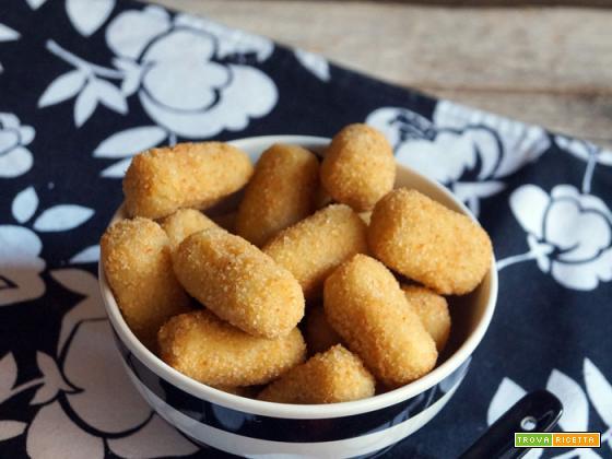 Mini crocchette di patate con salsa piccante