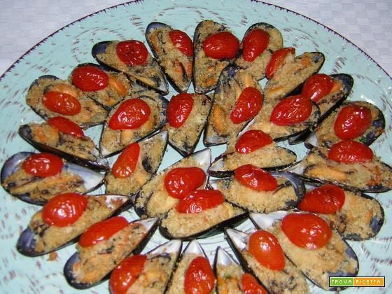 Cozze al forno con pomodorini