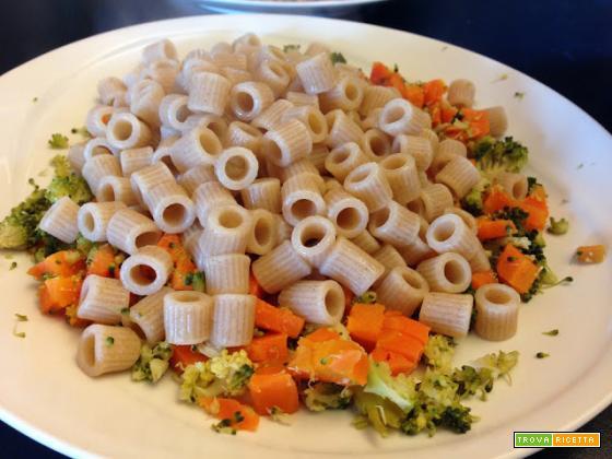 Con e Senza Bimby, Ditalini Semiintegrali al Farro con Broccoli e Carote
