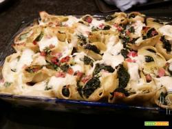 Conchiglioni al forno con spinaci, ricotta e pancetta