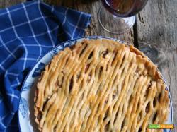 Crostata (salata) con salsiccia, cipolle e Cheddar