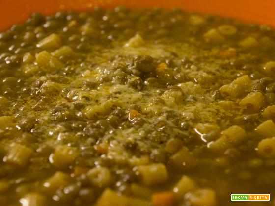 Zuppa di lenticchie al profumo di cumino