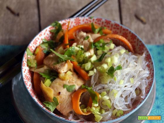 Pollo allo zenzero con spaghettini di riso